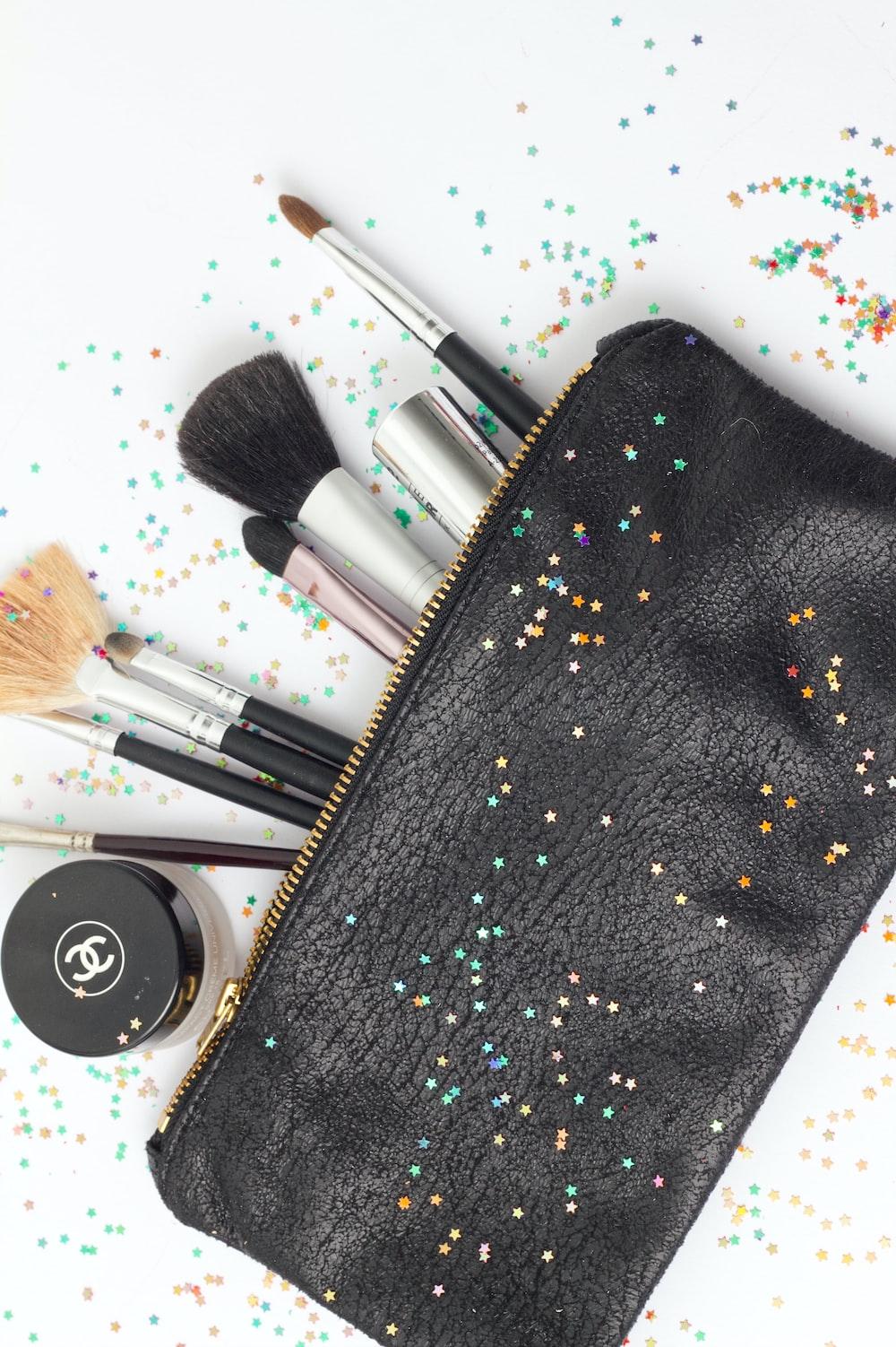 black and white makeup brush set