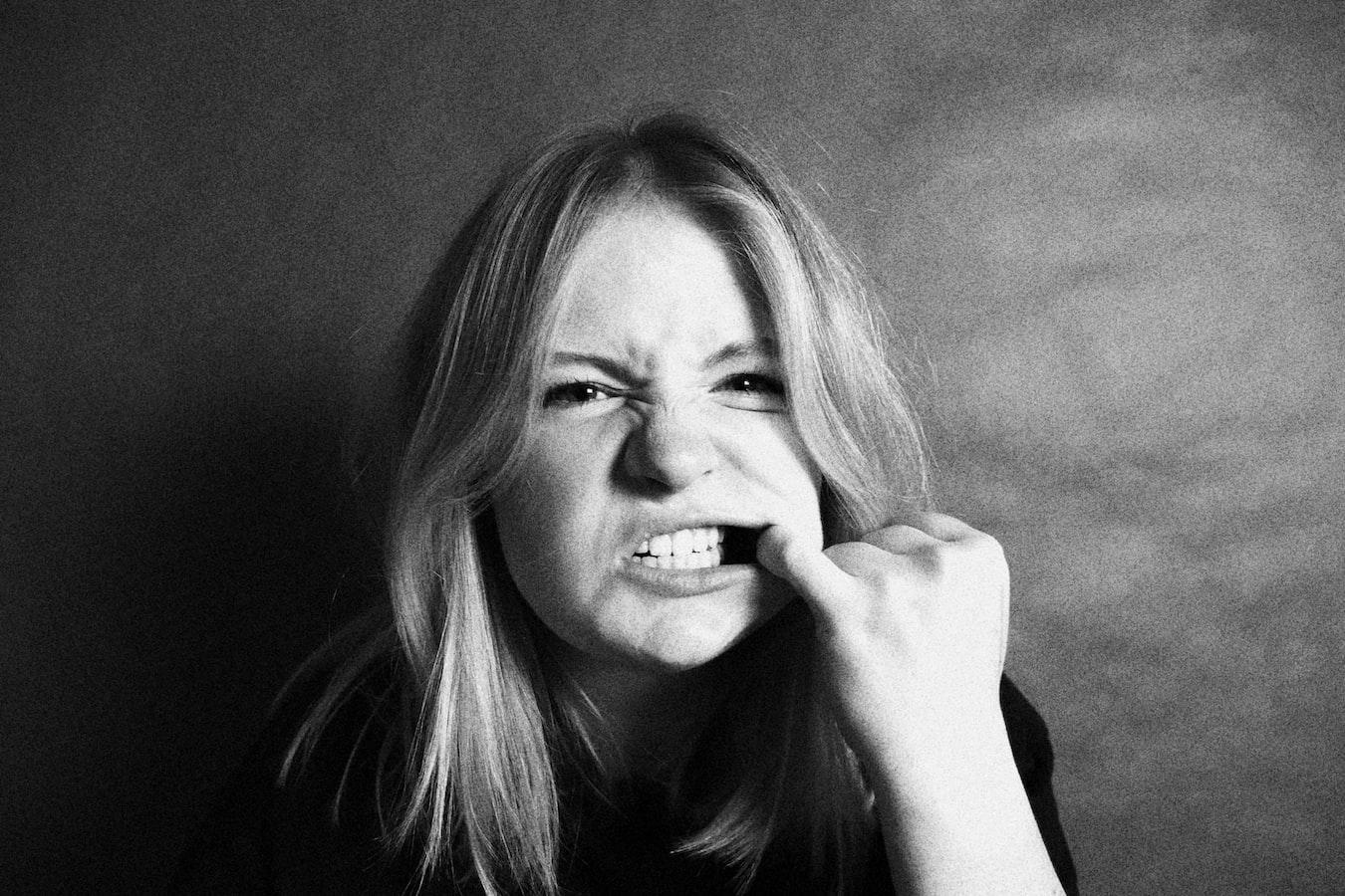 牙齒不整齊竟是因缺鐵!牙醫師:女性鐵質攝取量應為男性兩倍   Heho健