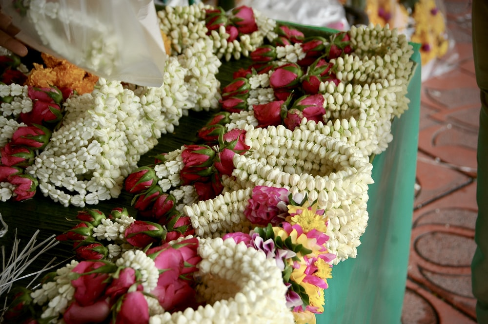 white and pink flower bouquet