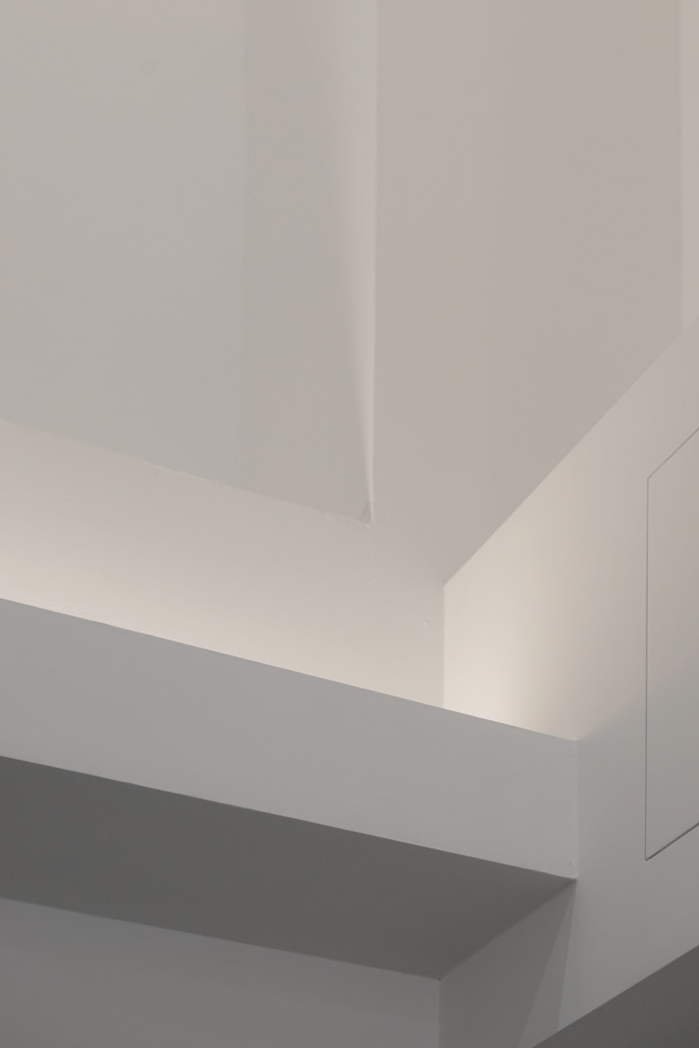 white wall paint in room