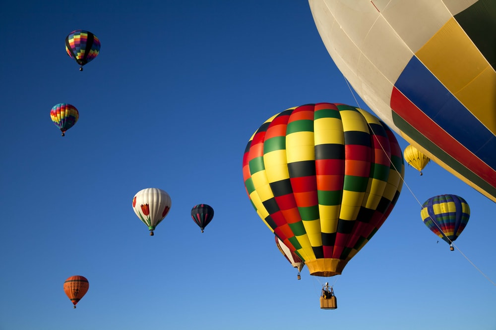 yellow red and blue hot air balloon