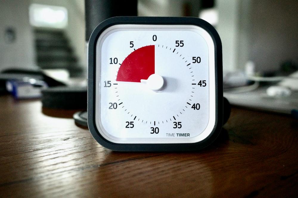 black and white analog gauge