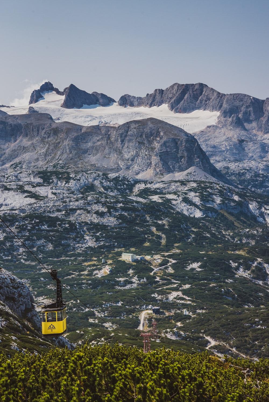 white and black mountain range