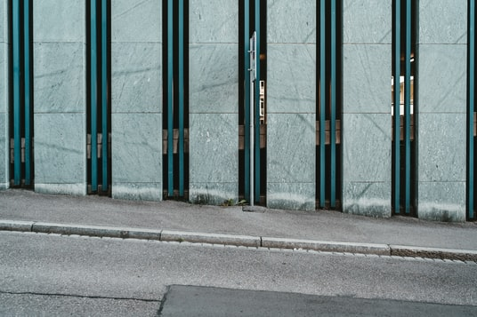 blue and gray concrete building