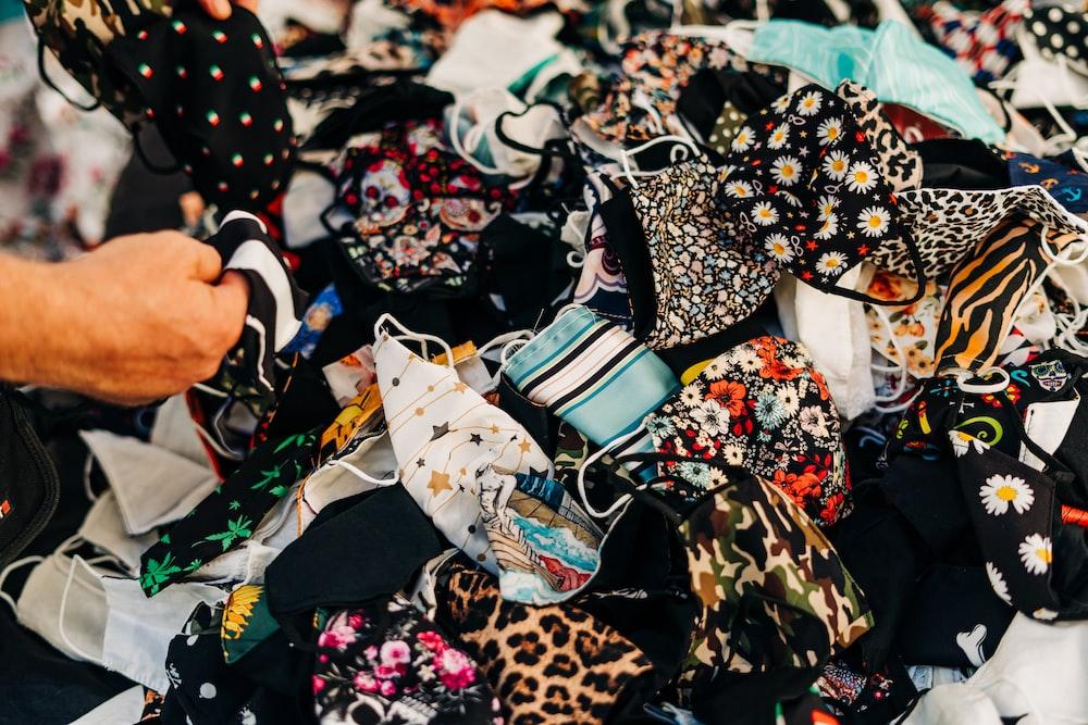 black and brown leopard print handbag