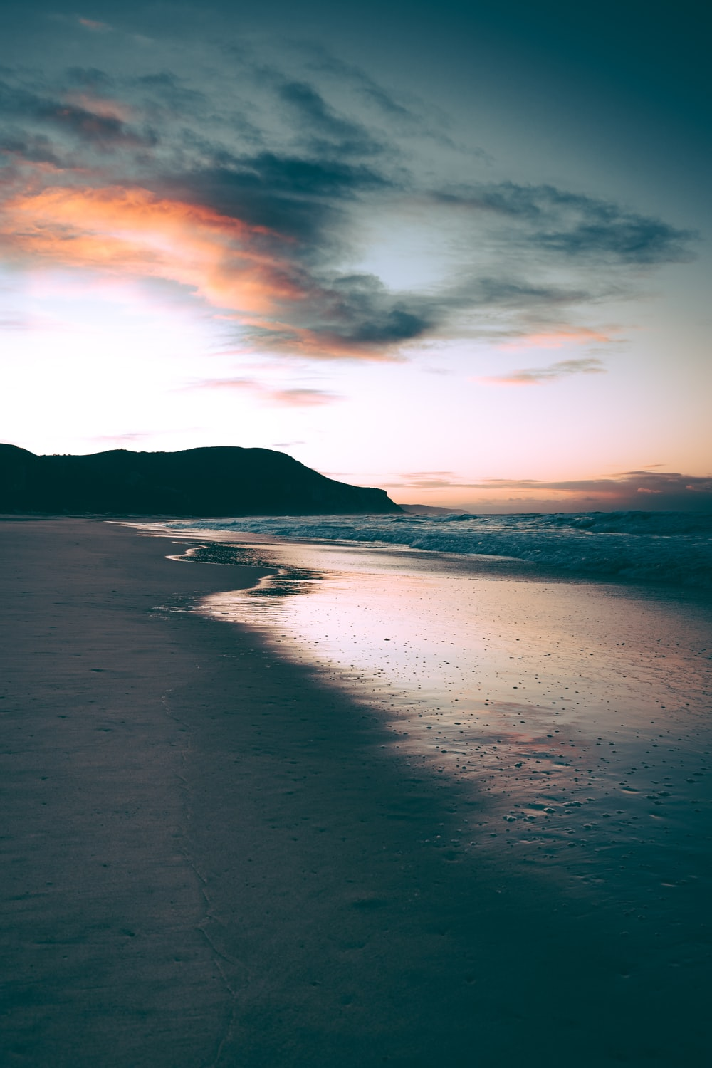 500 Beach Sunrise Pictures Stunning Download Free Images On Unsplash