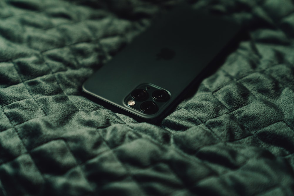 Apple Iphone 11 Pro Pictures Download Free Images On Unsplash