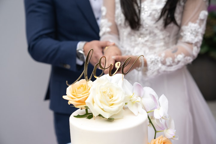 The Connection Between Wedding Cakes and Happiness