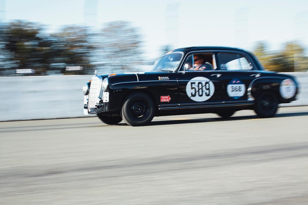 Noris Classic Rallye –vintage Classic Oldtimer Mercedes Daimler Benz - unsplash