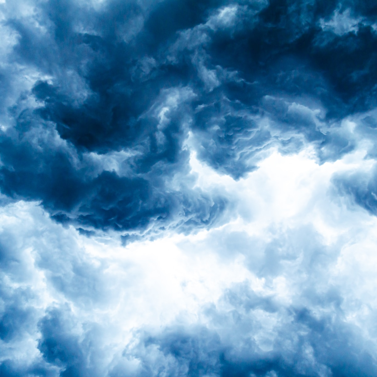 espiral cielo, white clouds and blue sky