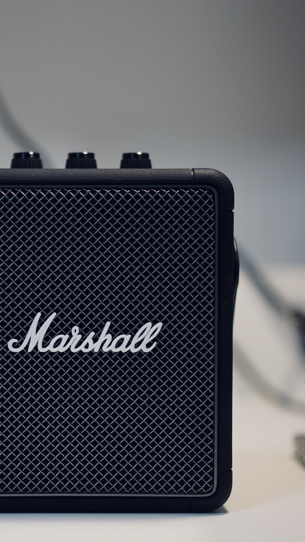 black and white marshall guitar amplifier