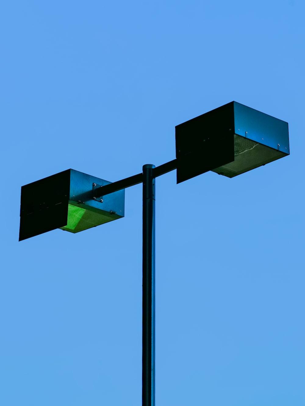 black and yellow street light