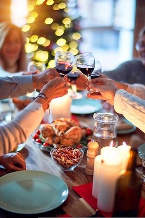 clinging wine glasses