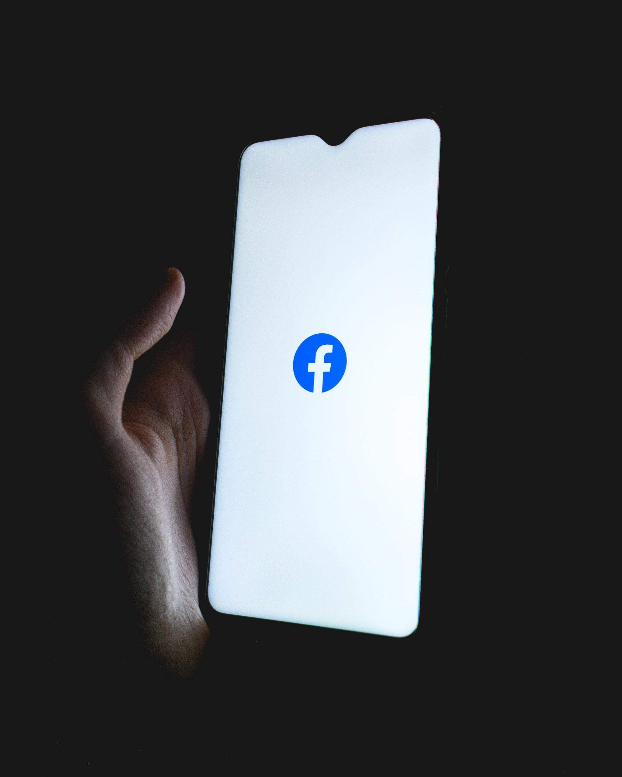 Facebook Artık Trilyonluk Bir Şirket