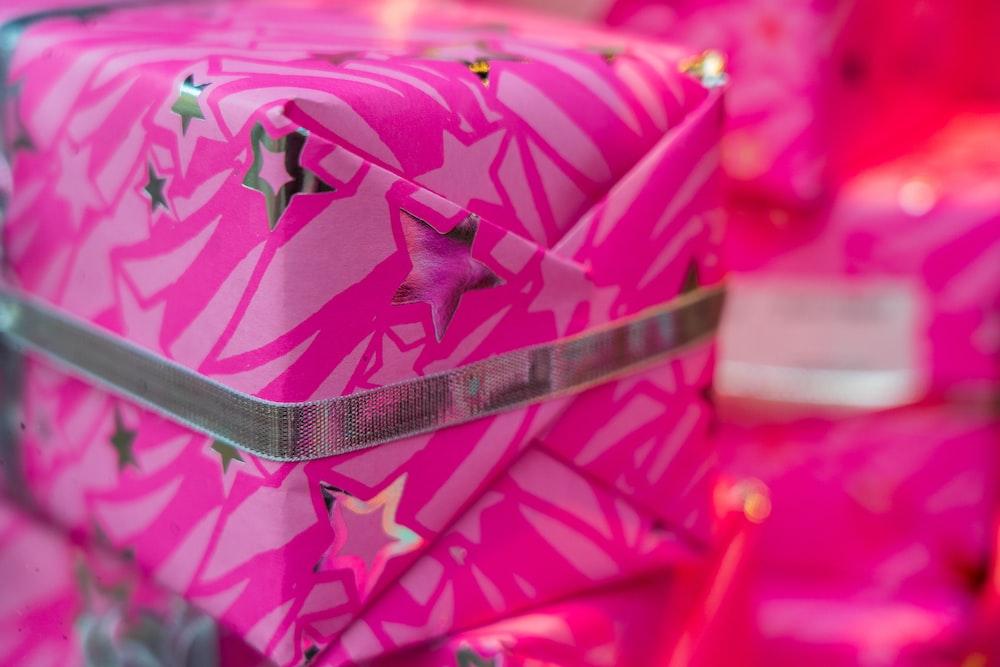 pink and white polka dot tote bag