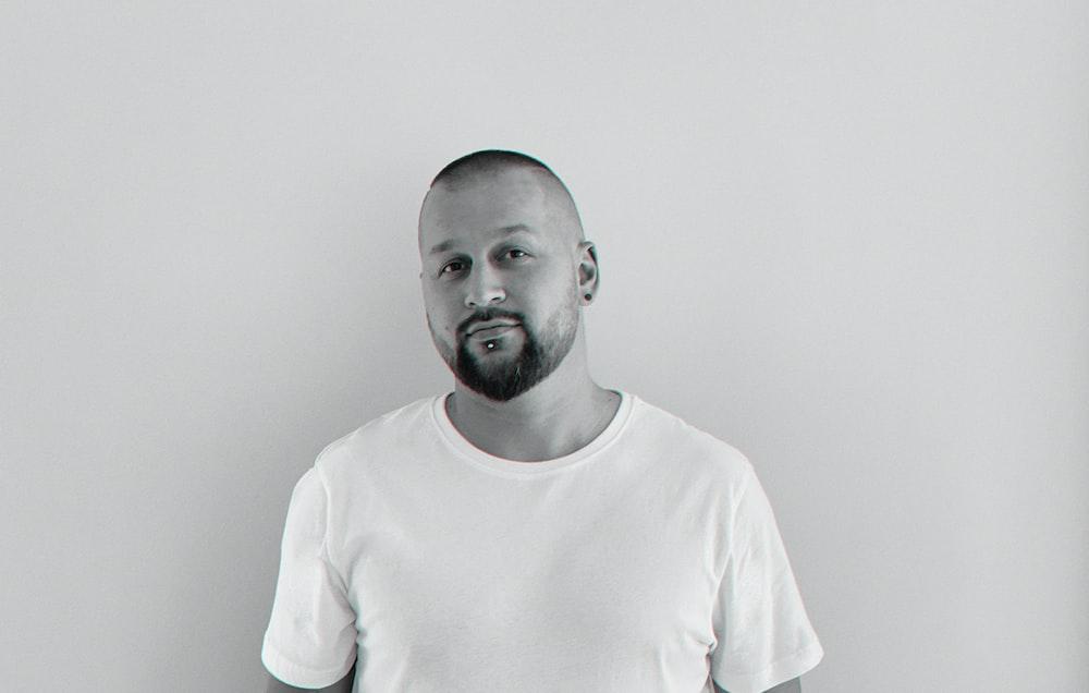 man in white crew neck shirt