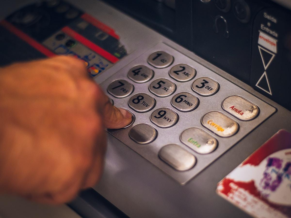 Descubren como hackear un cajero automático con un teléfono Android con NFC