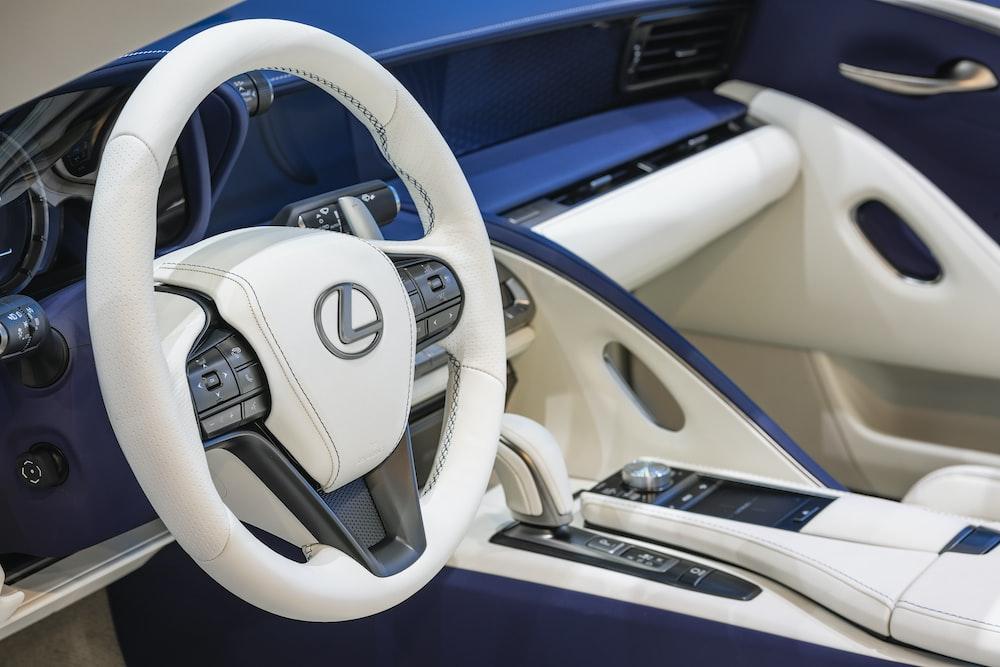 white mercedes benz steering wheel