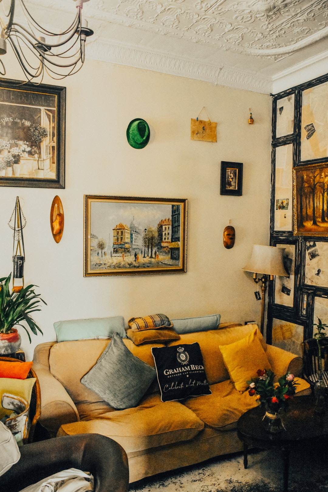 A Living Room Pictures   Download Free Images on Unsplash