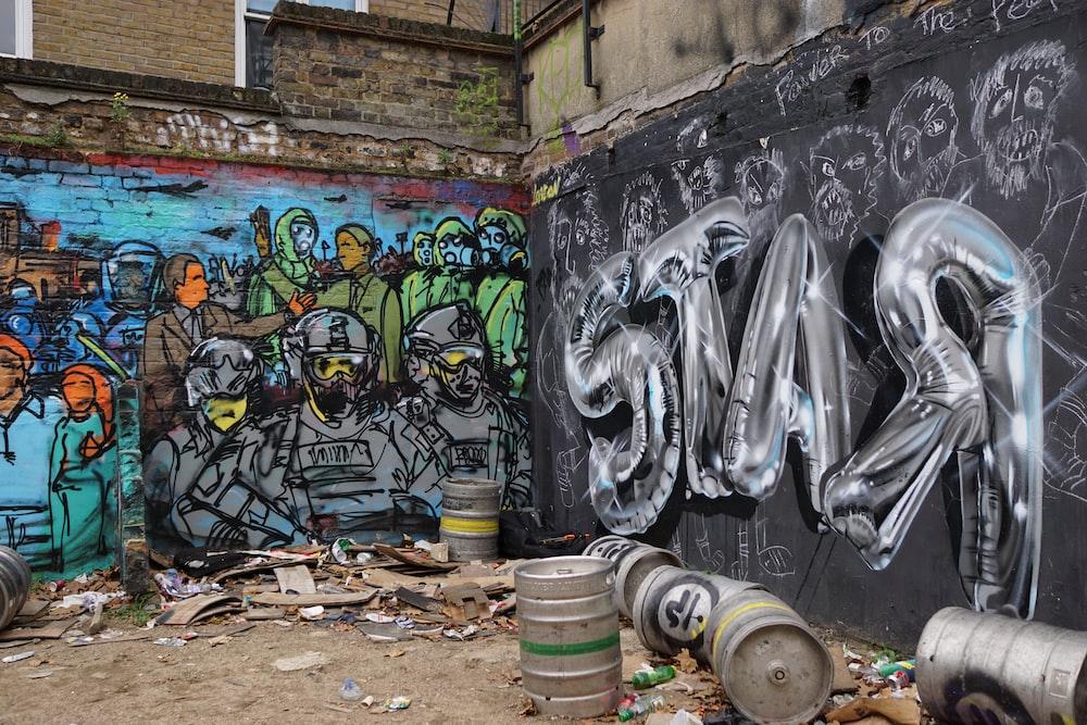 graffiti on wall during daytime