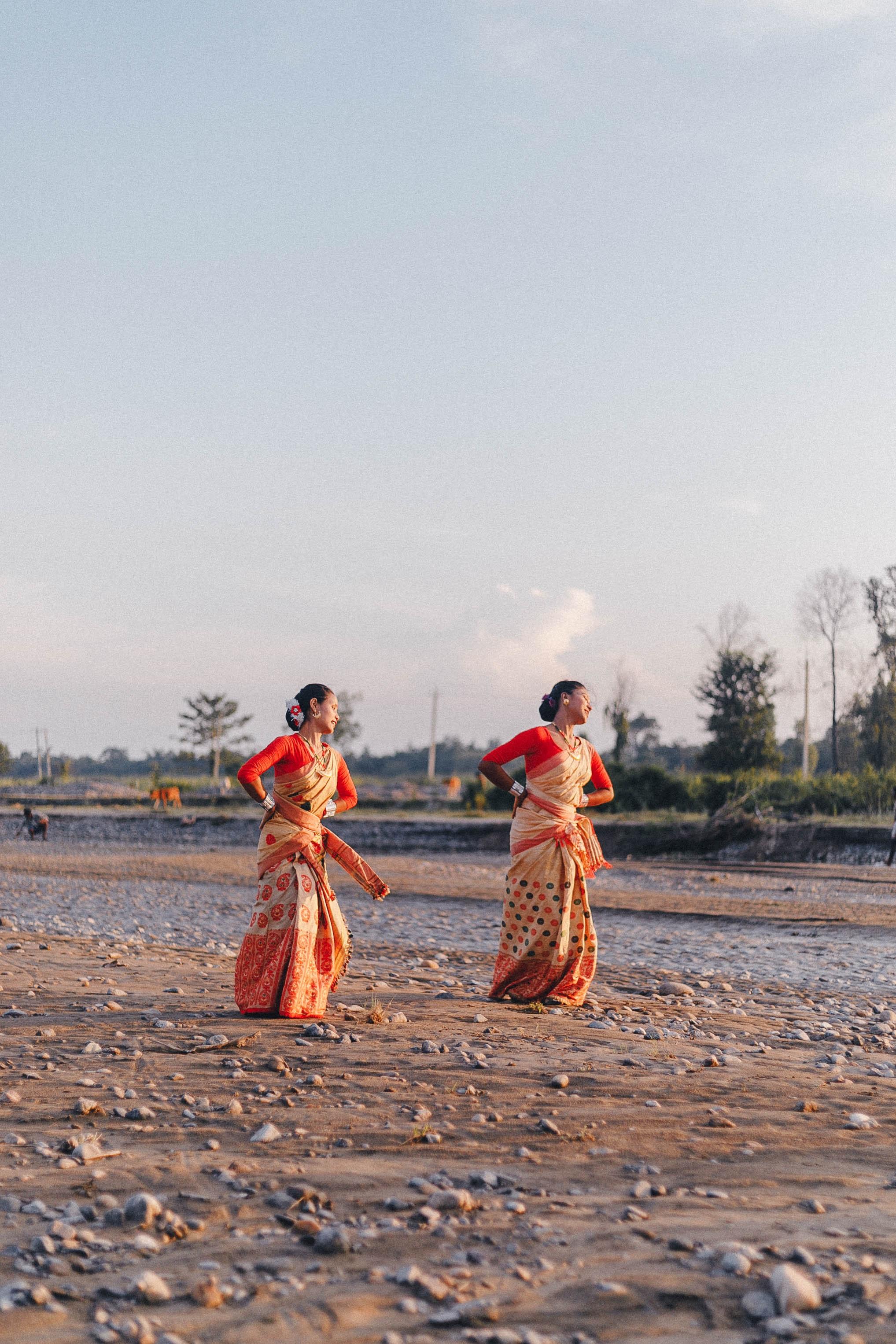 2 women dance bihu in Assam