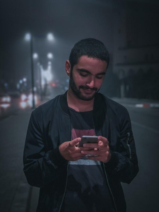 man-phone-night