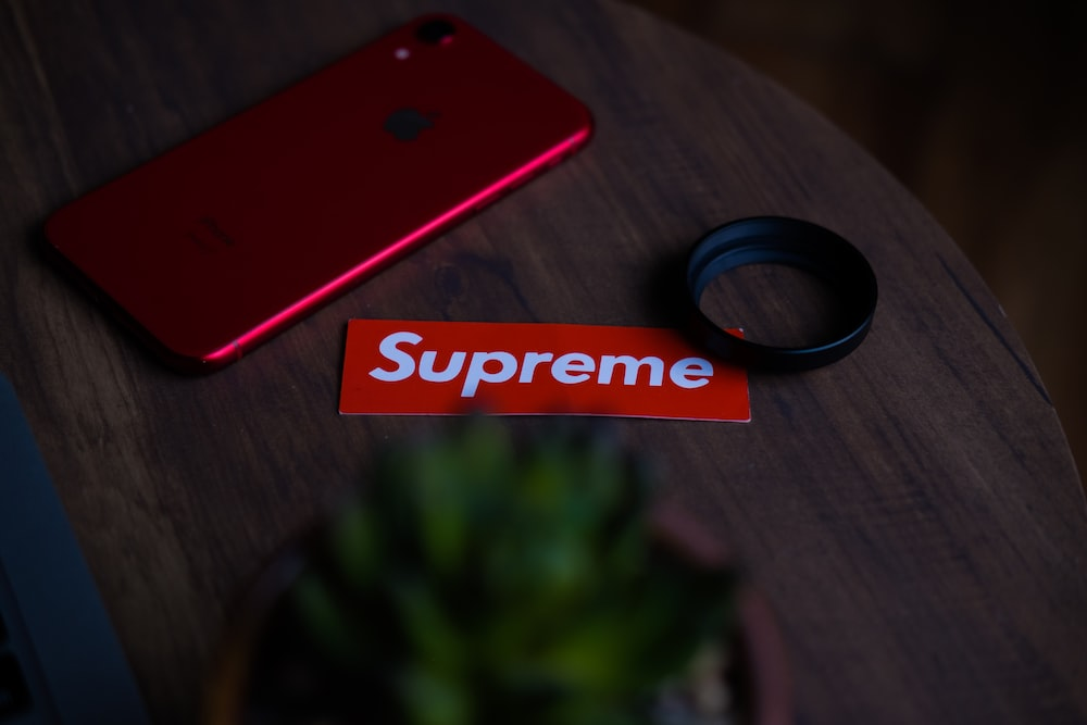 Iphone 11 Red Pictures Download Free Images On Unsplash