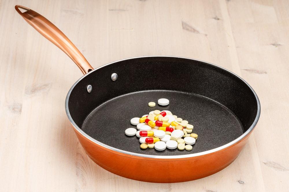 brown and black frying pan