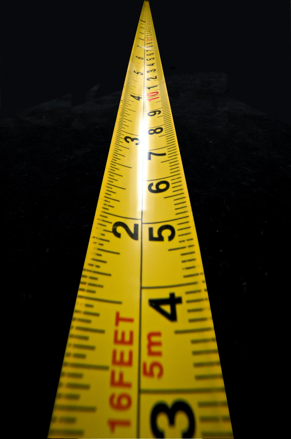 How many centimeters in an inch