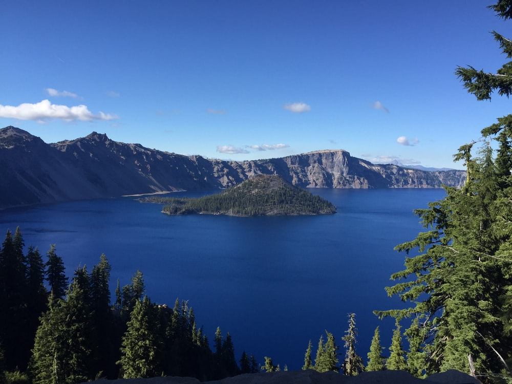This Is Why Crater Lake Lodge Is The Best Option To See Oregon's Bluest Lake
