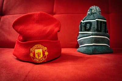gray and black knit cap manchester united zoom background