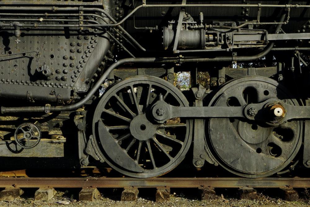 black and brown train wheel