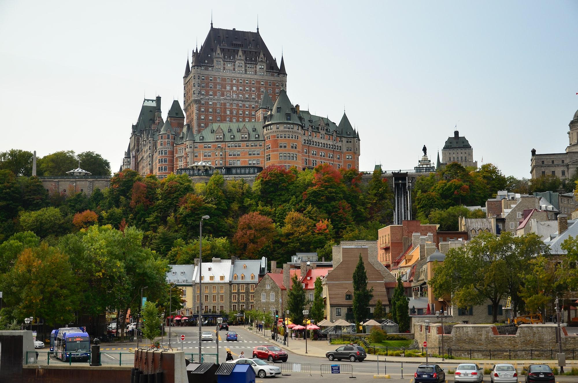 加拿大37%新增投资用于房地产