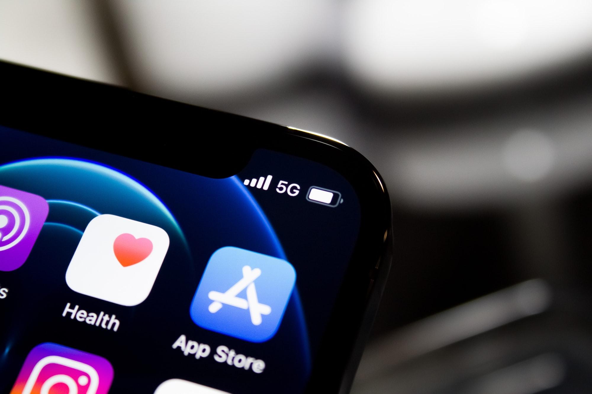 В первой половине 2021 года траты пользователей в App Store выросли на 22,1%