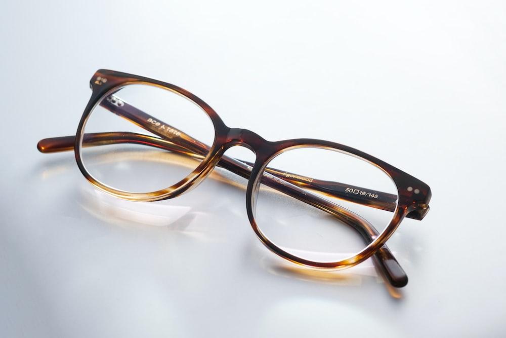 black and brown framed eyeglasses