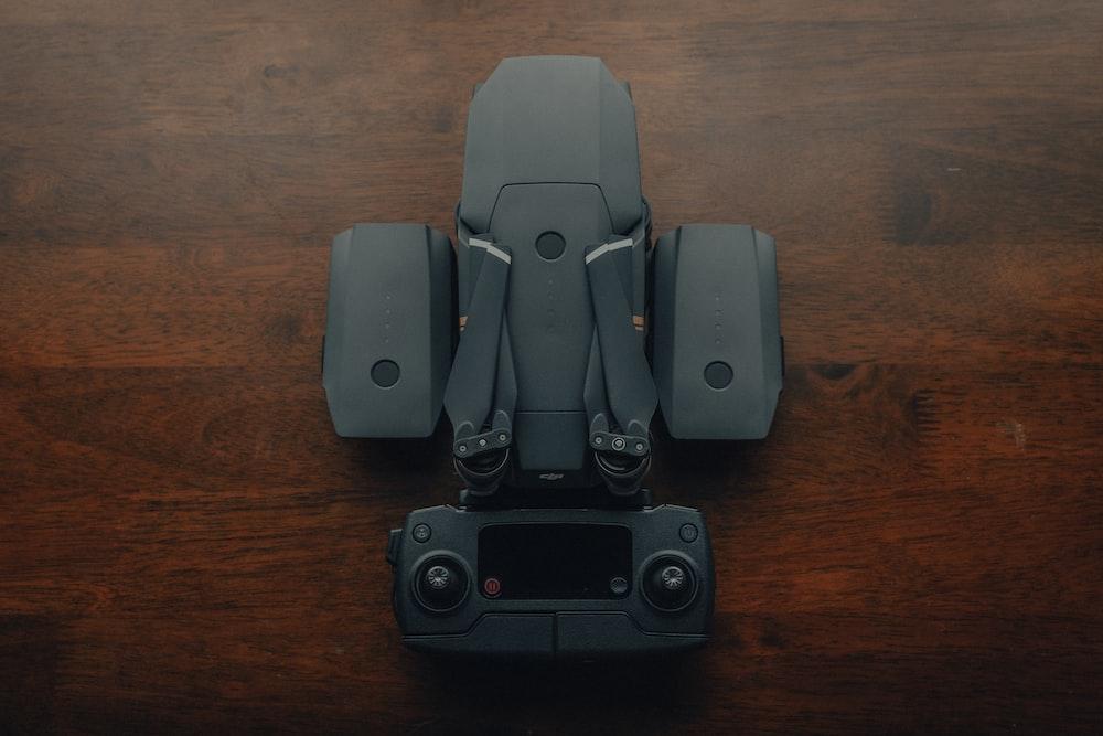 black and gray 2 0 speaker