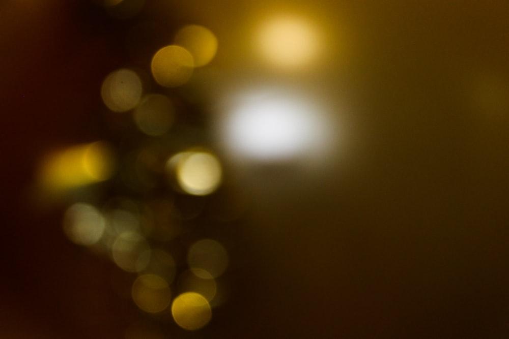 yellow and white bokeh lights
