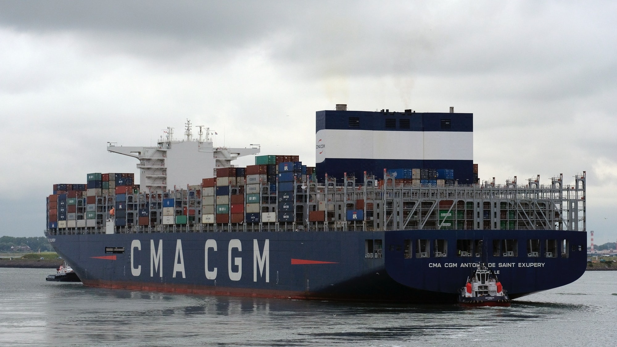 Developer says he can fix the Suez canal problem by adding more containers onto the ship