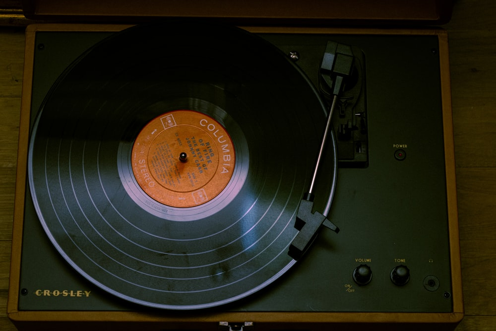 black and brown vinyl record player
