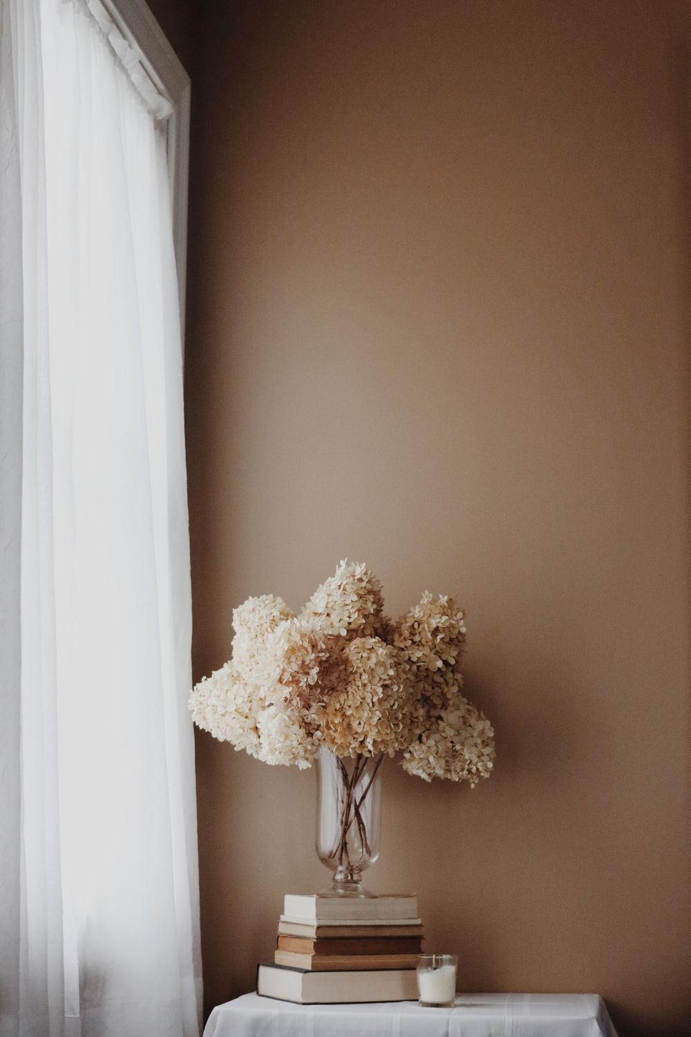 white and brown floral wreath