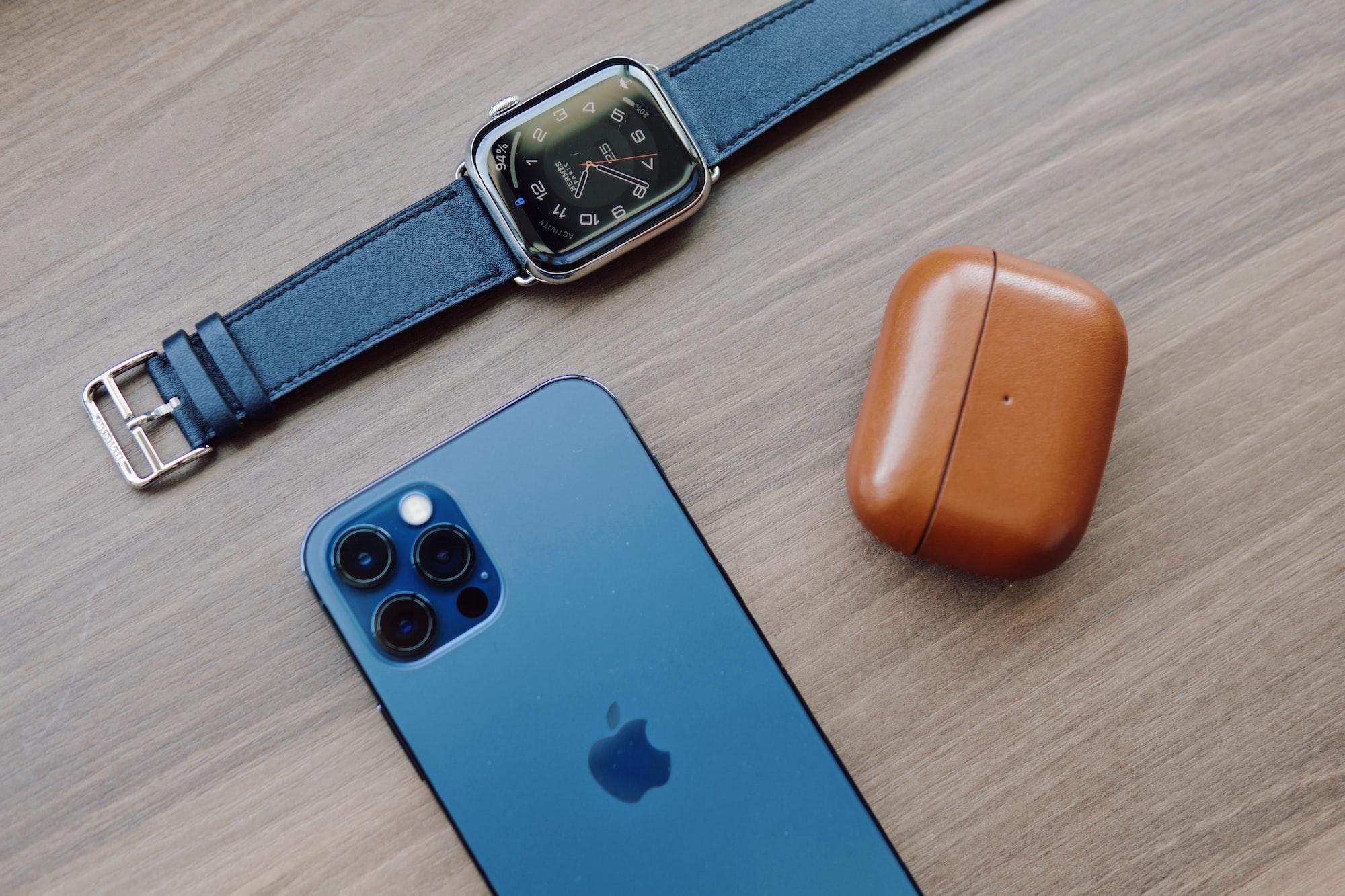 Descobre quais são os acessórios essenciais para o teu novo iPhone