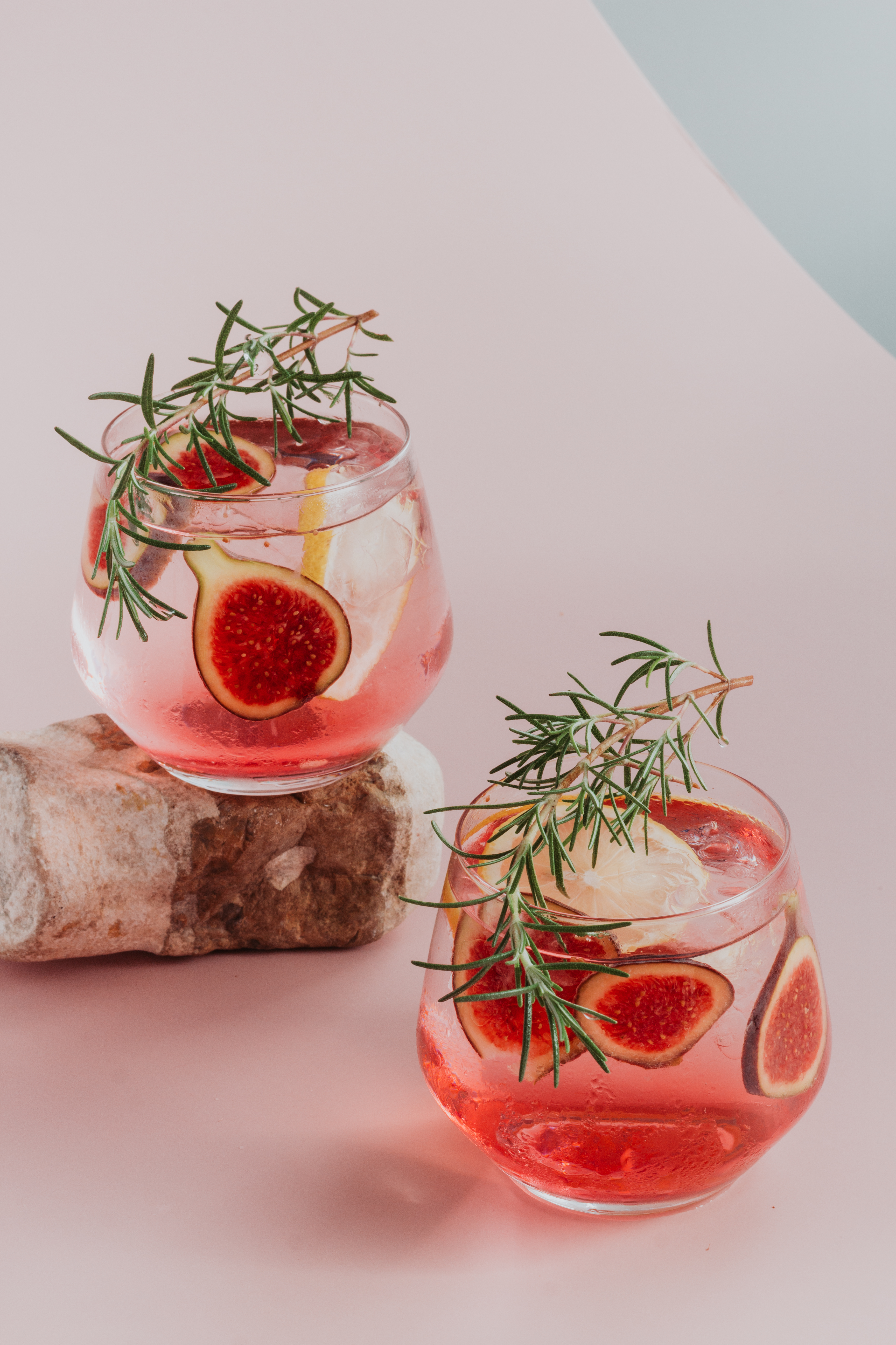 red-liquid-in-clear-drinking-glass