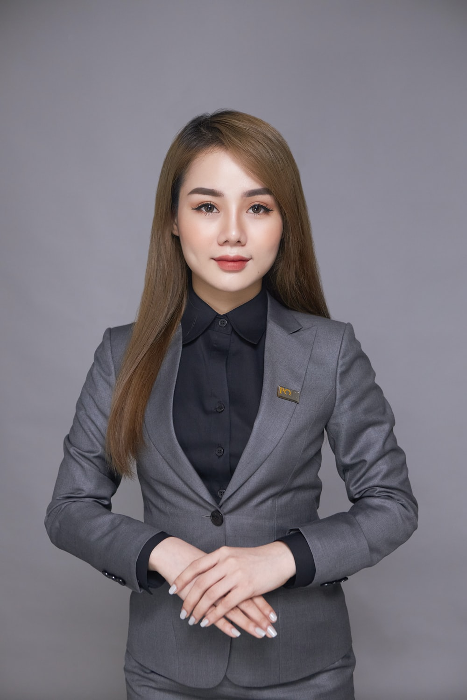 woman in black suit jacket