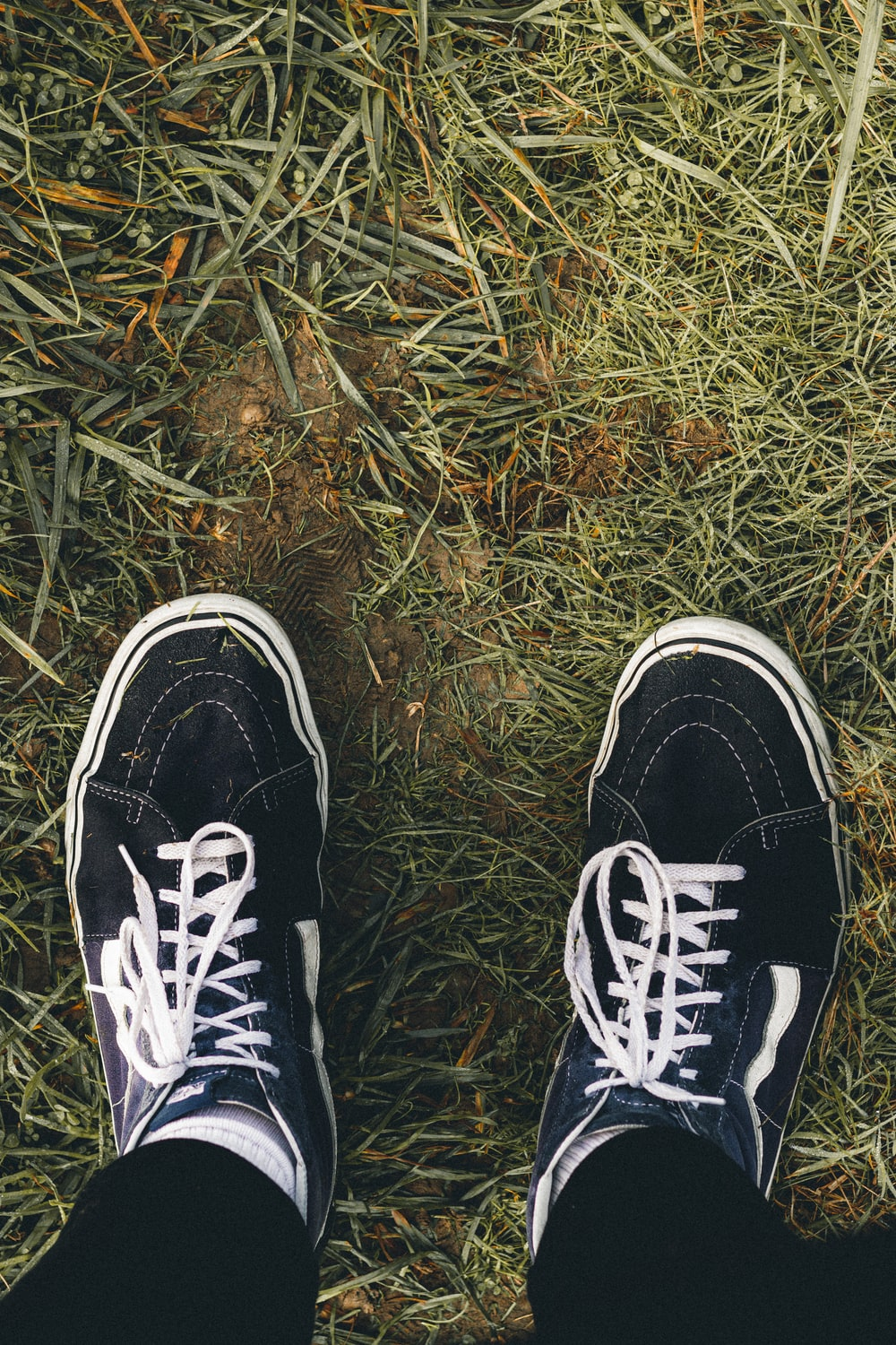 black and white lace up sneakers