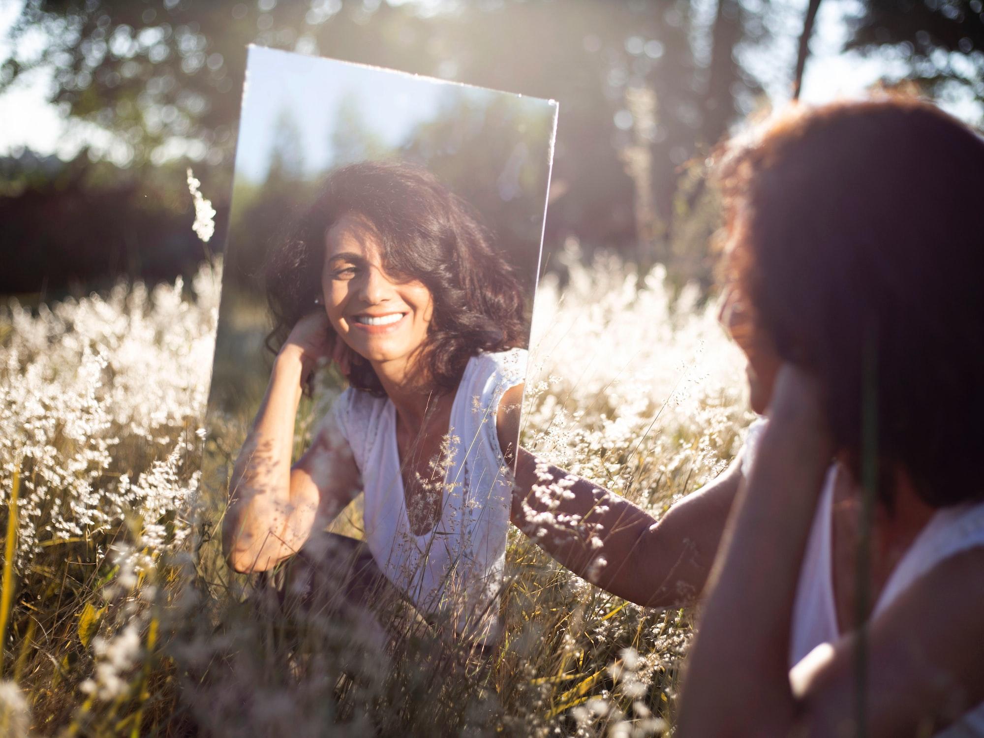 Exercițiu în oglindă. Rutina de autoîngrijire