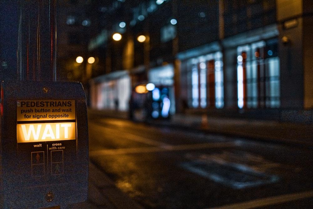 black and yellow street lights