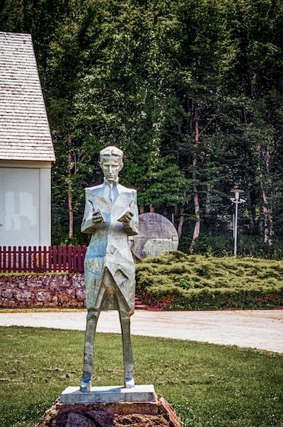 The statue of Nikola Tesla in his home village.