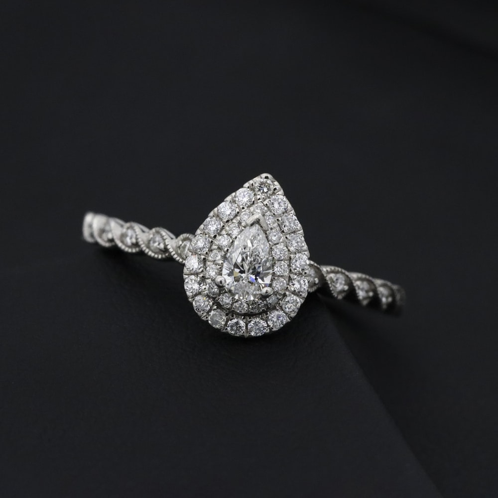 silver diamond studded heart pendant