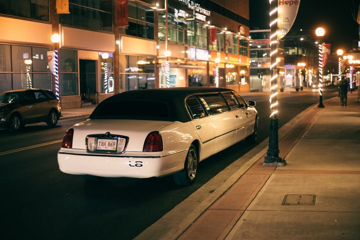 Why Everyone Should Use a Chauffeur When Travelling