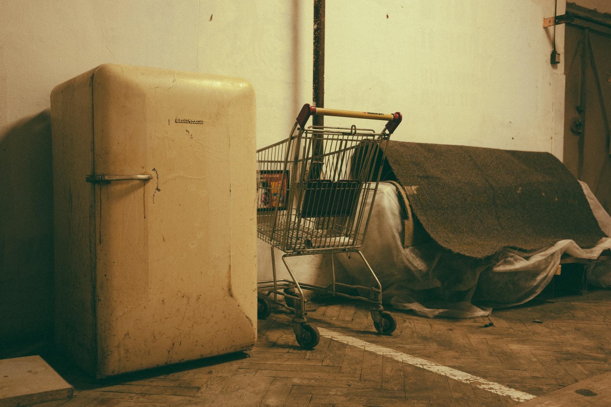 A-sad-abandoned-cart